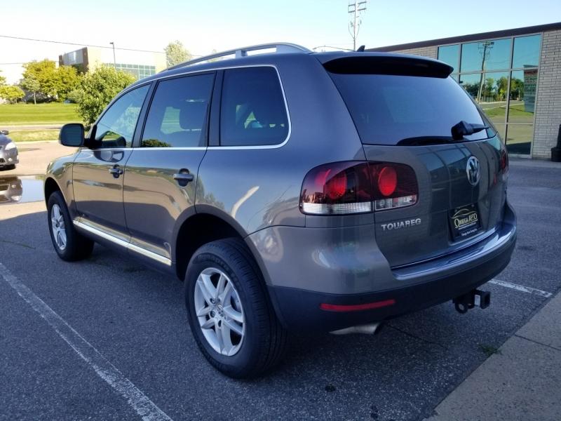 Volkswagen Touareg 2009 price $10,298