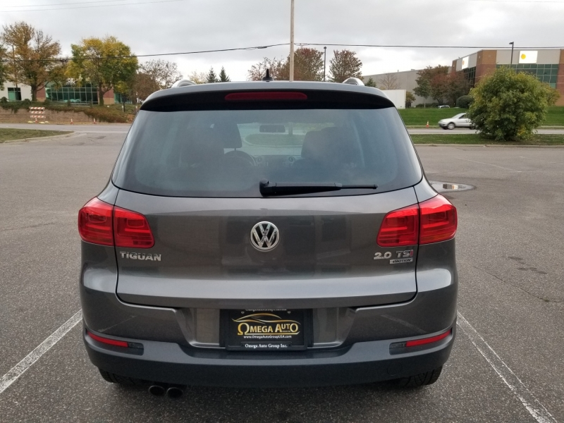 Volkswagen Tiguan 2015 price $15,998