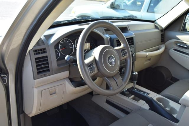 Jeep Liberty 2010 price $7,999