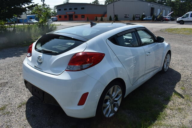 Hyundai Veloster 2013 price $6,999