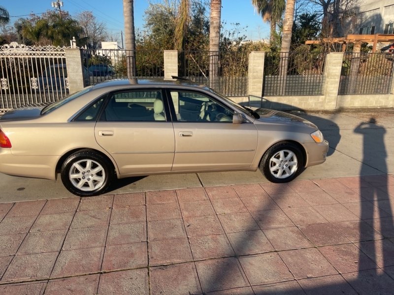 TOYOTA AVALON 2000 price $3,899