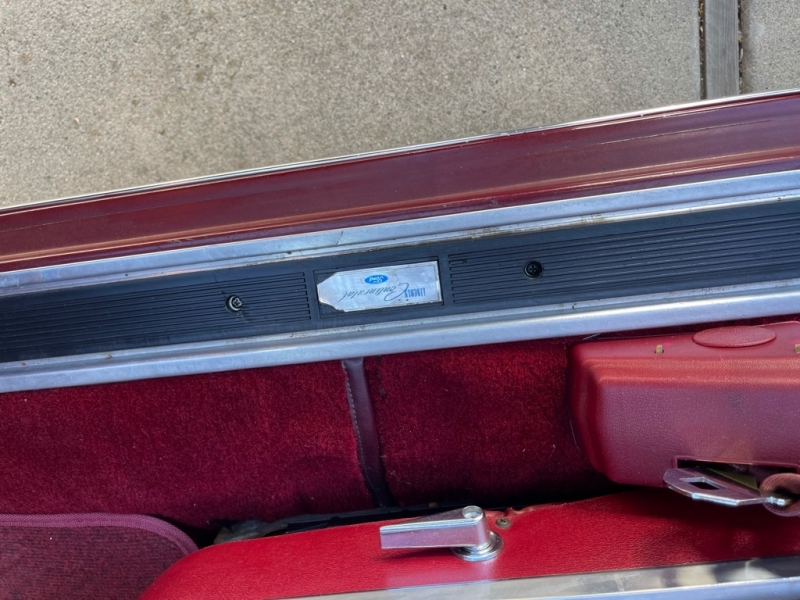 LINCOLN TOWN COUPE 1978 price $19,999