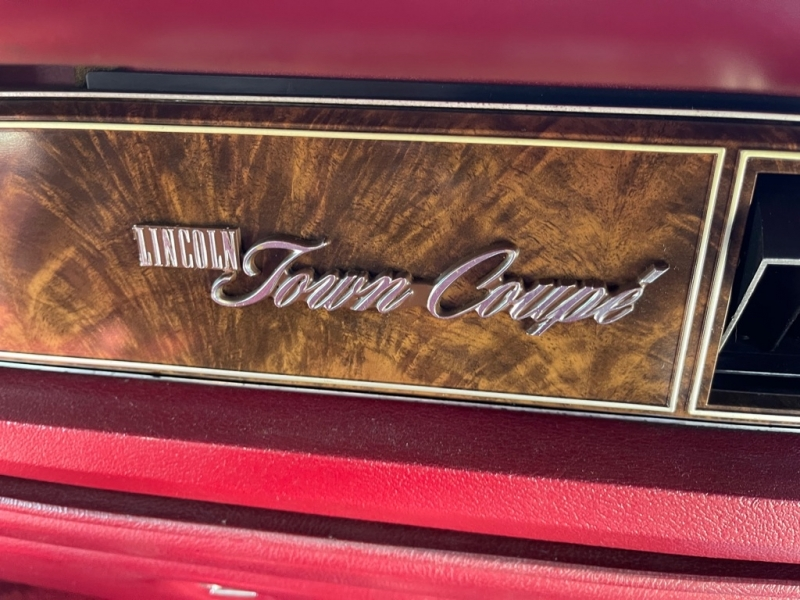 LINCOLN TOWN COUPE 1978 price $25,000