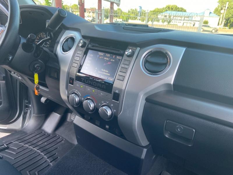 Toyota Tundra 2WD 2019 price $27,950