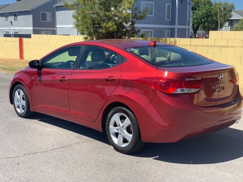 Hyundai Elantra 2013 price $8,250 Cash