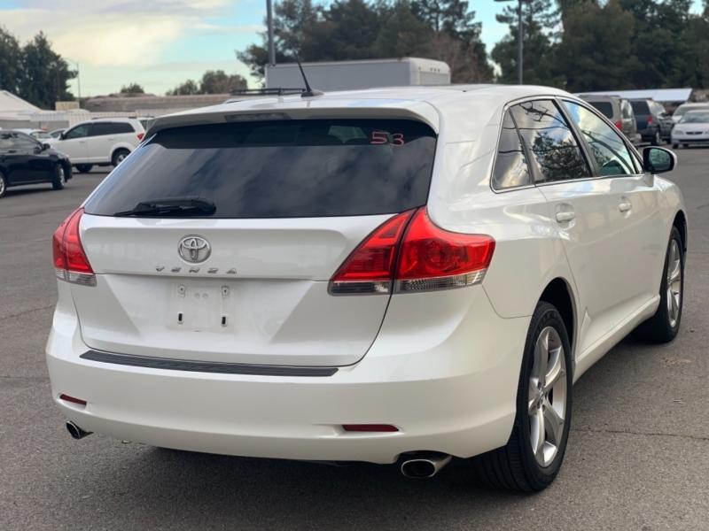 Toyota Venza 2009 price $10,795