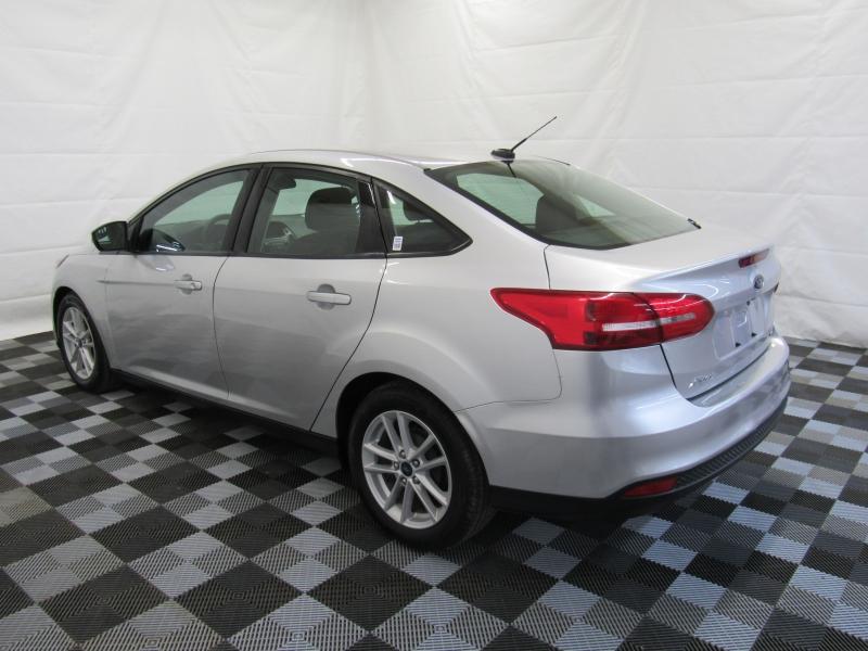 Ford Focus 2017 price $8,995