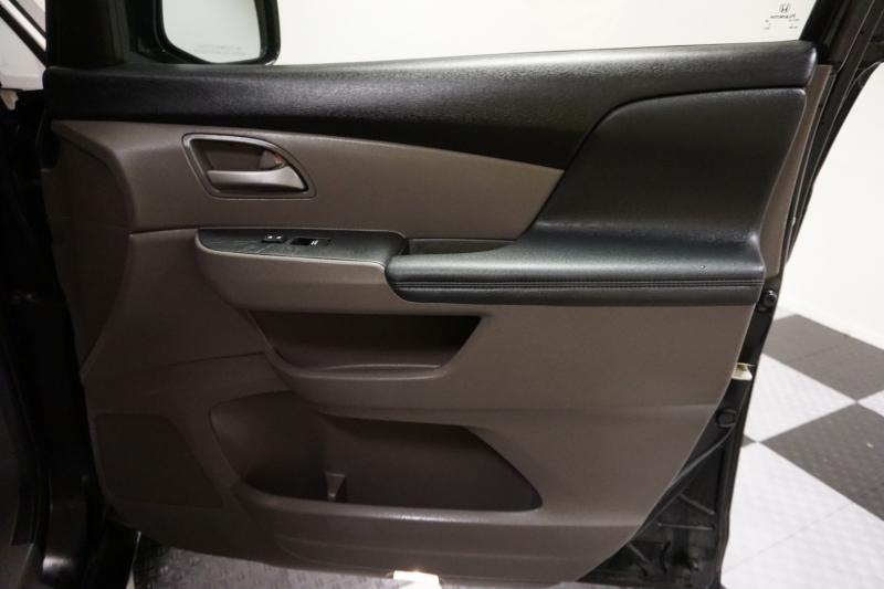 Honda Odyssey 2013 price $12,995