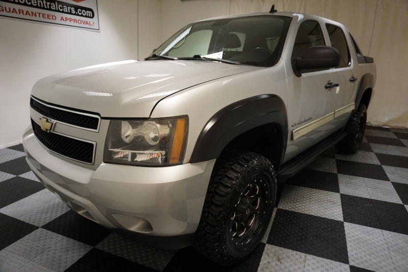 Chevrolet Avalanche 2010 price $14,995