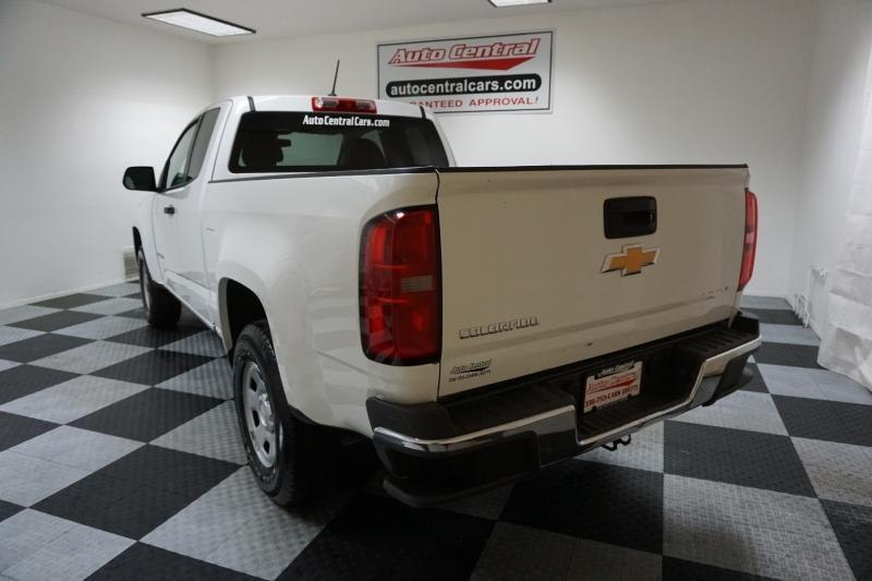 Chevrolet Colorado 2017 price $12,995