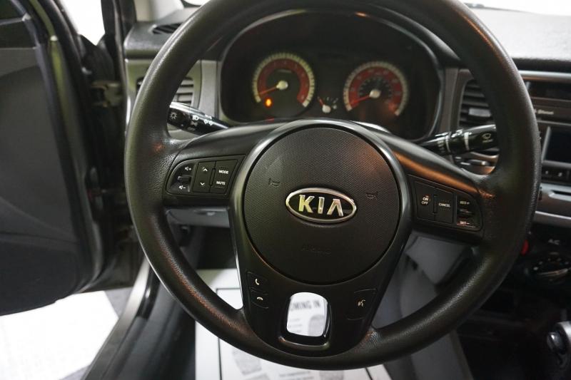 Kia Rio 2011 price $4,995
