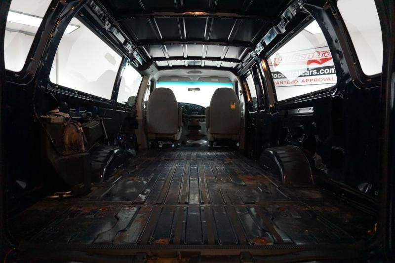 Ford Econoline Cargo Van 2007 price $7,995