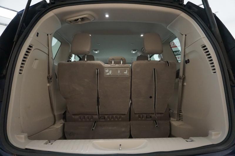 Chrysler Pacifica 2018 price $13,995