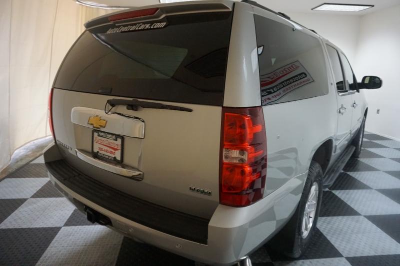 Chevrolet Suburban 2011 price $16,995