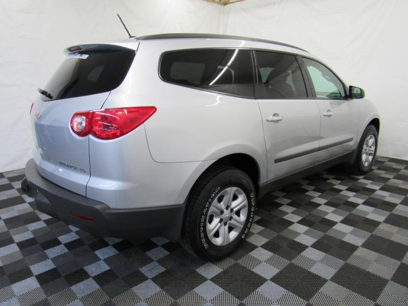 Chevrolet Traverse 2011 price $8,188