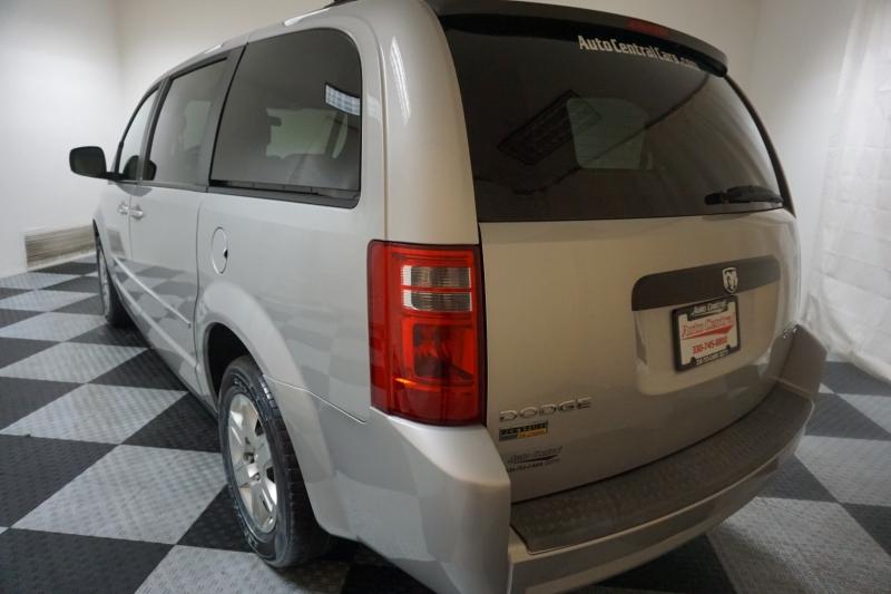 Dodge Grand Caravan 2009 price $8,995