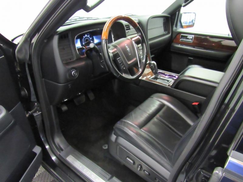 Lincoln Navigator L 2015 price $26,995