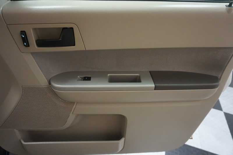 Ford Escape 2011 price $5,295
