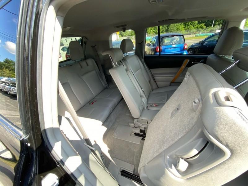 Toyota Highlander Hybrid 2010 price $12,998