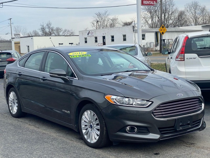 Ford Fusion Hybrid 2016 price $11,749