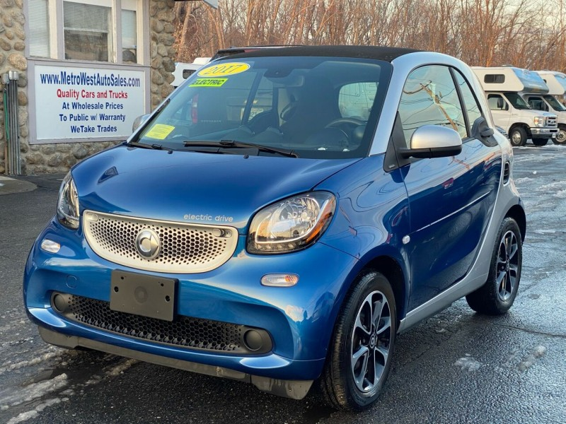 Smart fortwo electric drive 2017 price $9,998