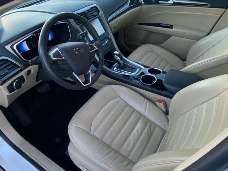 Ford Fusion Hybrid 2013 price $8,999