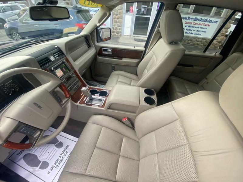 Lincoln Navigator L 2011 price $12,998