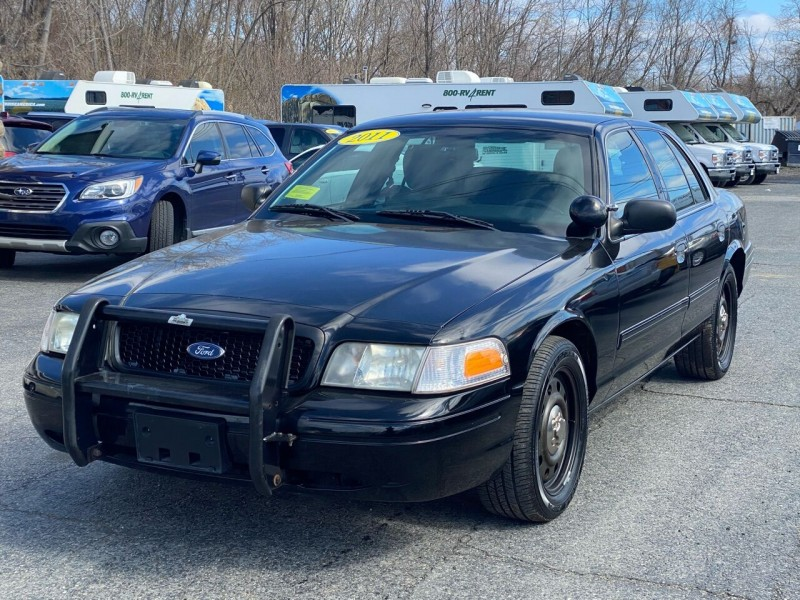 Ford Crown Victoria 2011 price $6,998
