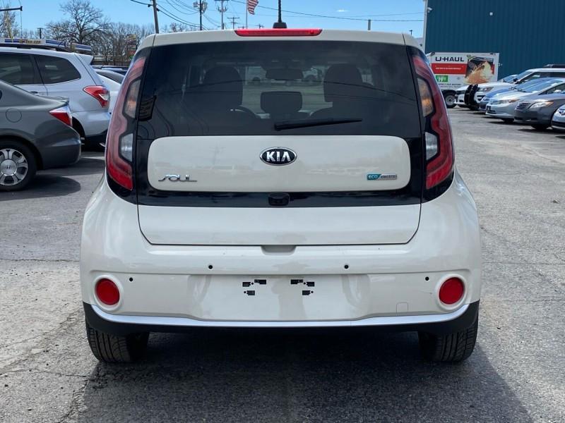 Kia Soul EV 2018 price $15,998