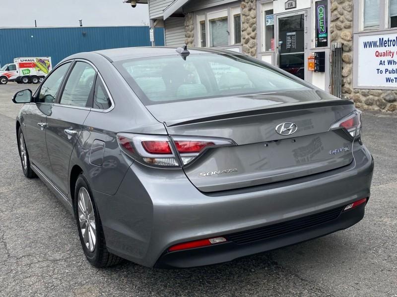Hyundai Sonata Hybrid 2017 price $11,998