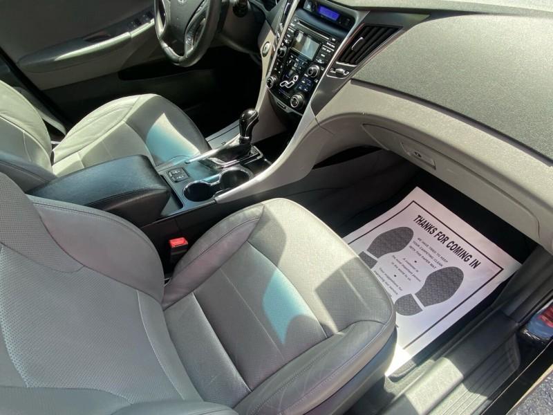 Hyundai Sonata Hybrid 2012 price $8,995