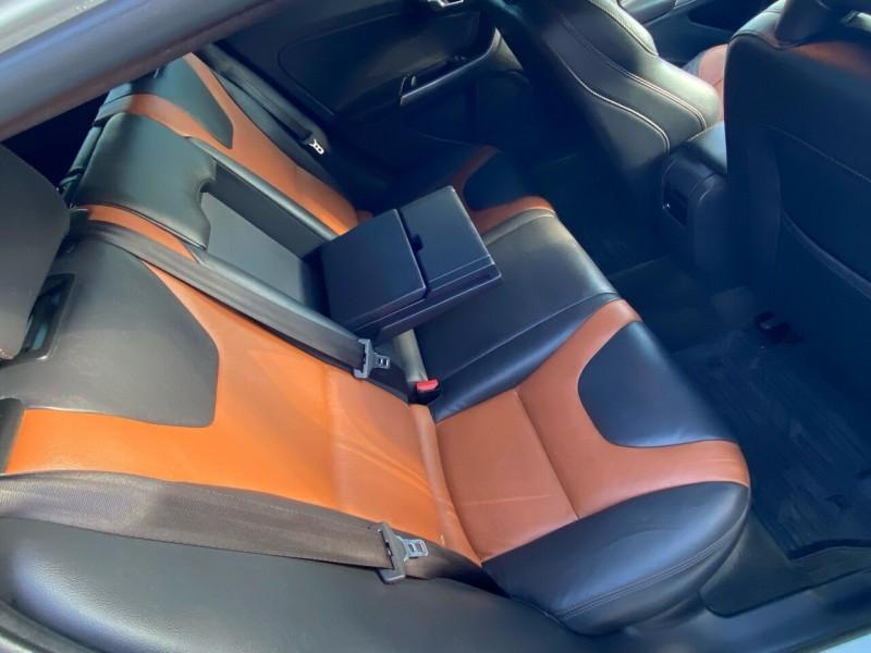 Volvo V60 Cross Country 2016 price $15,998