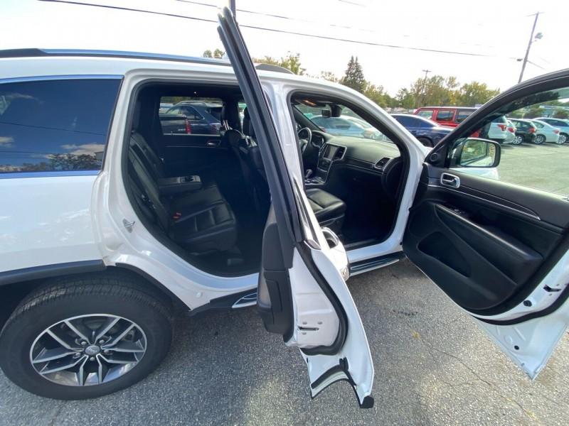 Jeep Grand Cherokee 2018 price $34,998