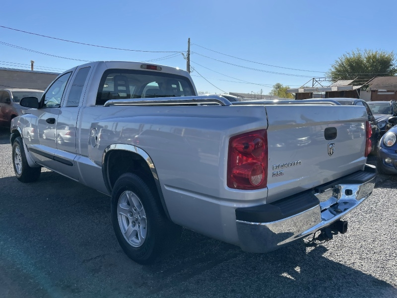 Dodge Dakota 2005 price $4,000