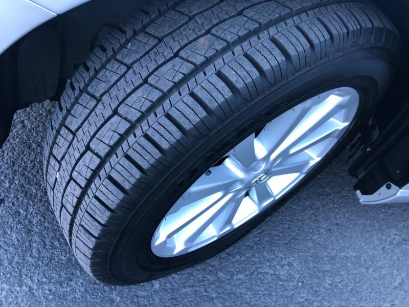 Toyota Venza 2011 price $12,995