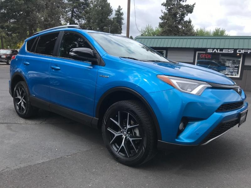 Toyota RAV4 2018 price $30,995