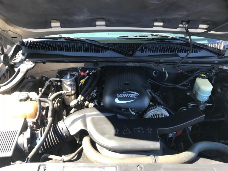 Chevrolet Suburban 2002 price $8,995