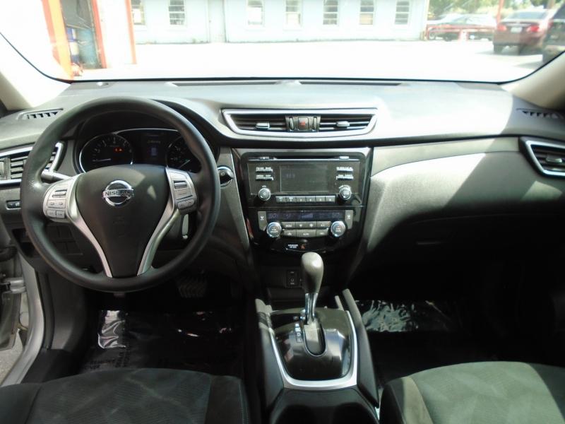 Nissan Rogue 2015 price $11,749