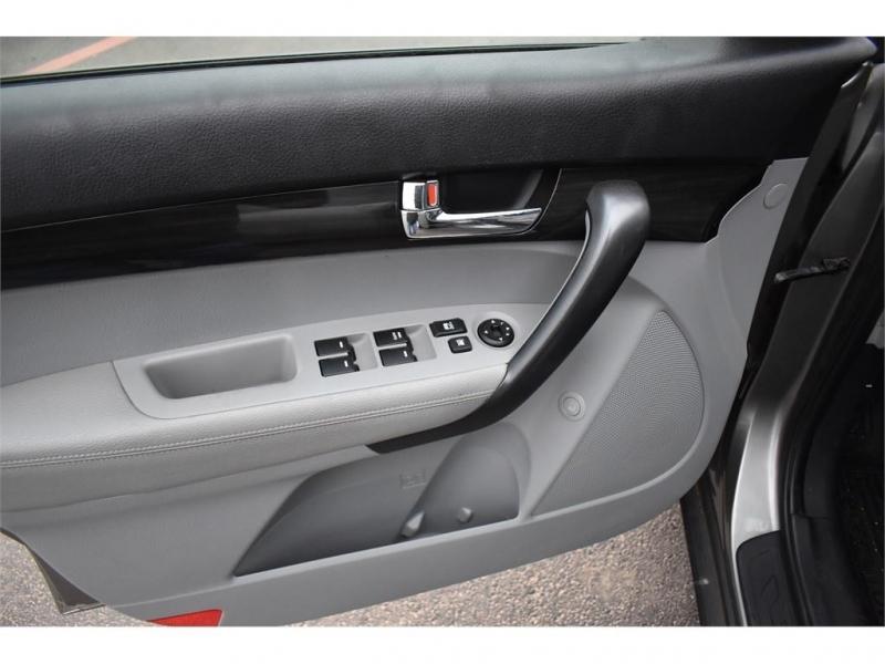 Kia Sorento 2012 price $13,995