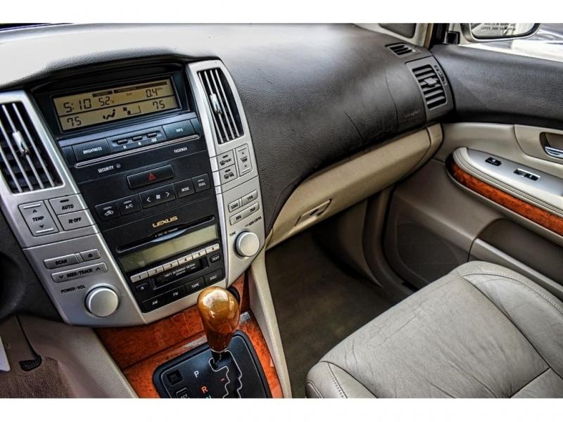Lexus RX 330 2004 price $12,995
