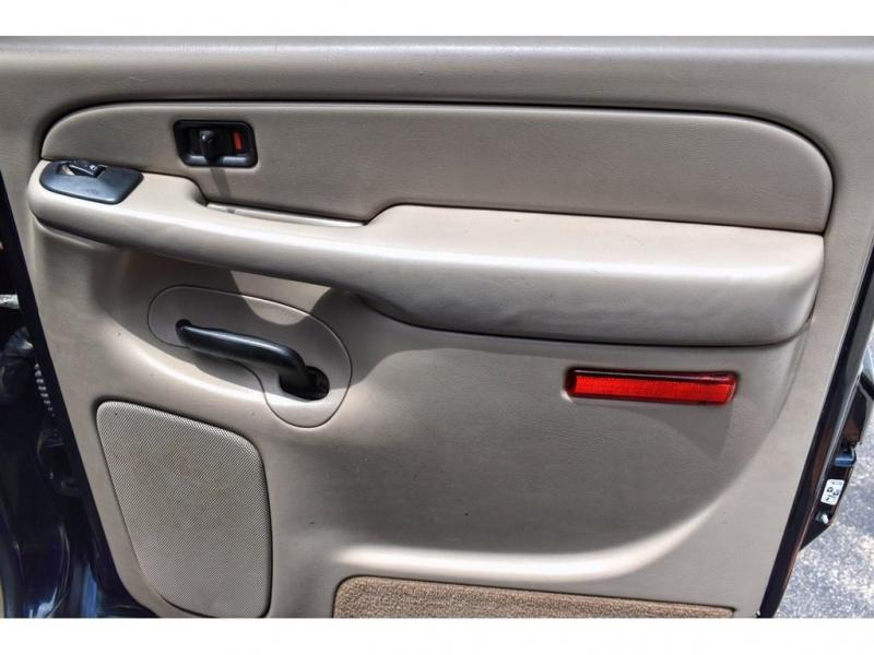 GMC YUKON XL 2004 price $11,995