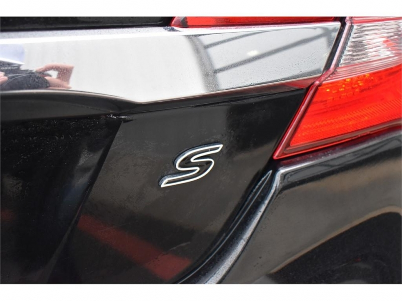 Chrysler 200 2014 price $12,995