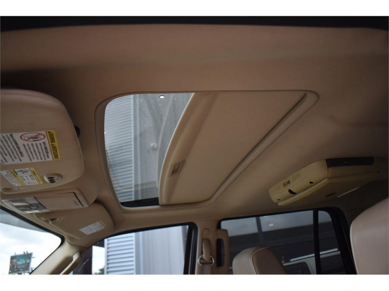 Lincoln Navigator 2007 price $14,995