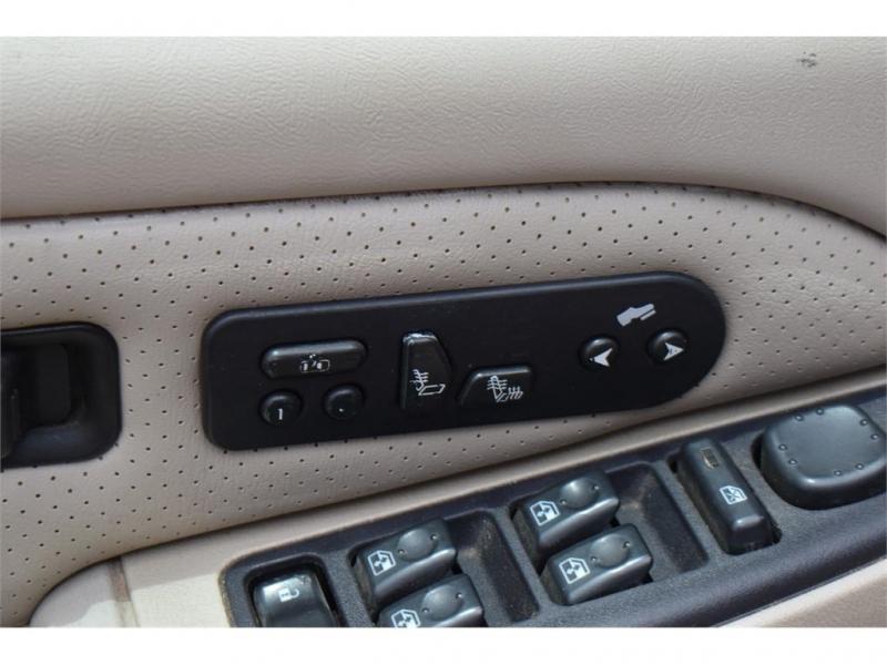 Cadillac Escalade 2004 price $11,995
