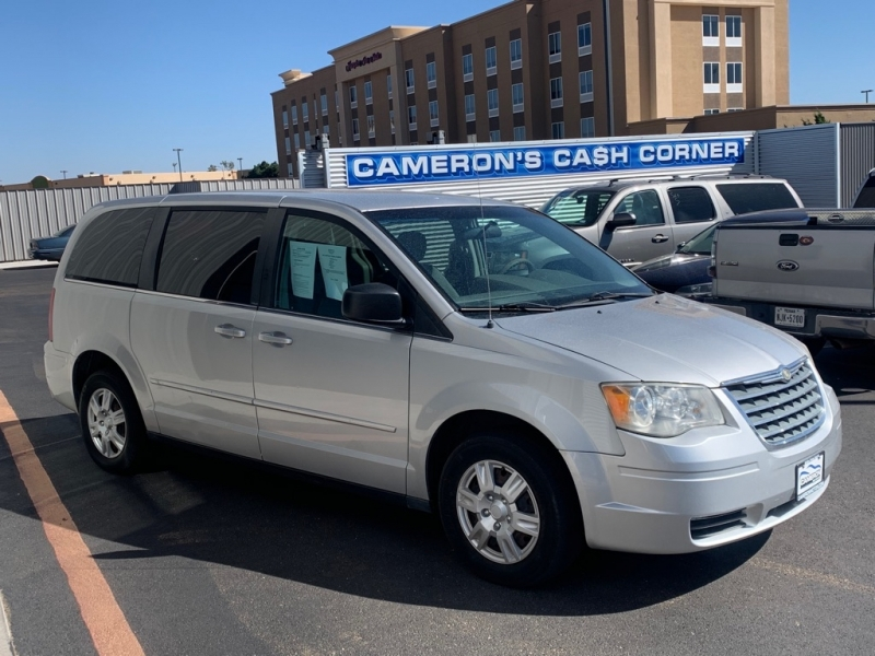 CHRYSLER TOWN & COUNTRY 2010 price $10,995