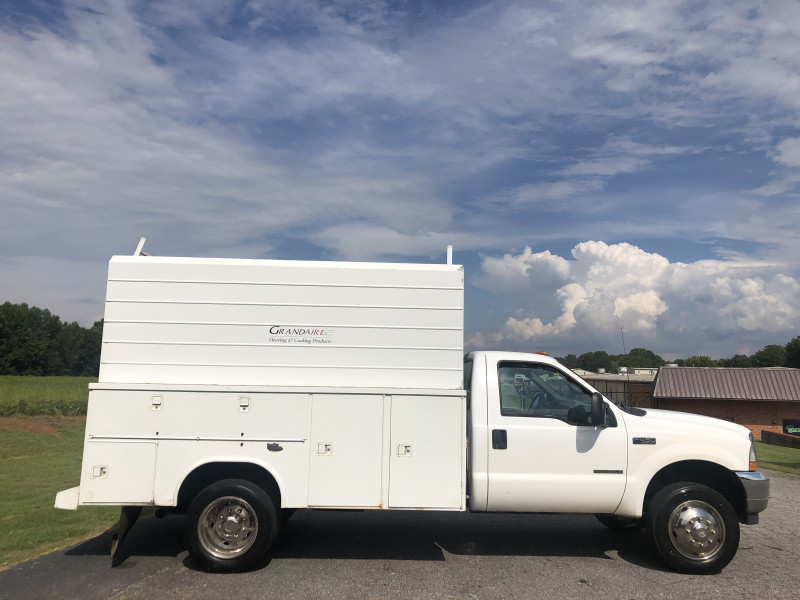 Ford F450 Enclosed Service Body 2002 price $9,800