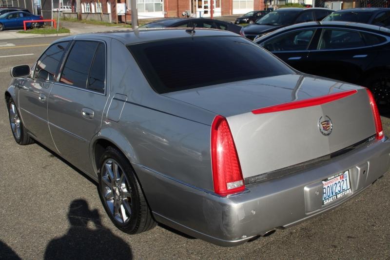 Cadillac DTS 2006 price $5,997