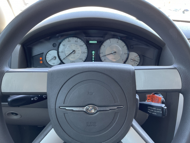 Chrysler 300 2010 price $10,990