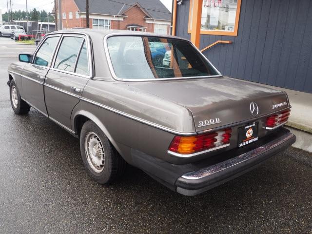 Mercedes-Benz 300 1983 price $3,990