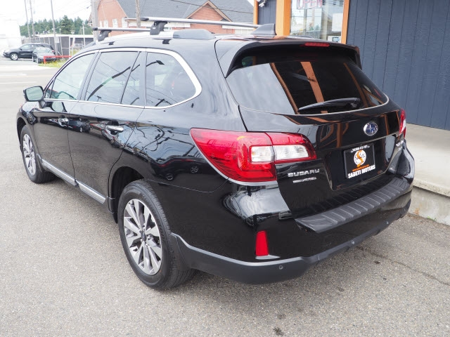 Subaru Outback 2017 price $29,990